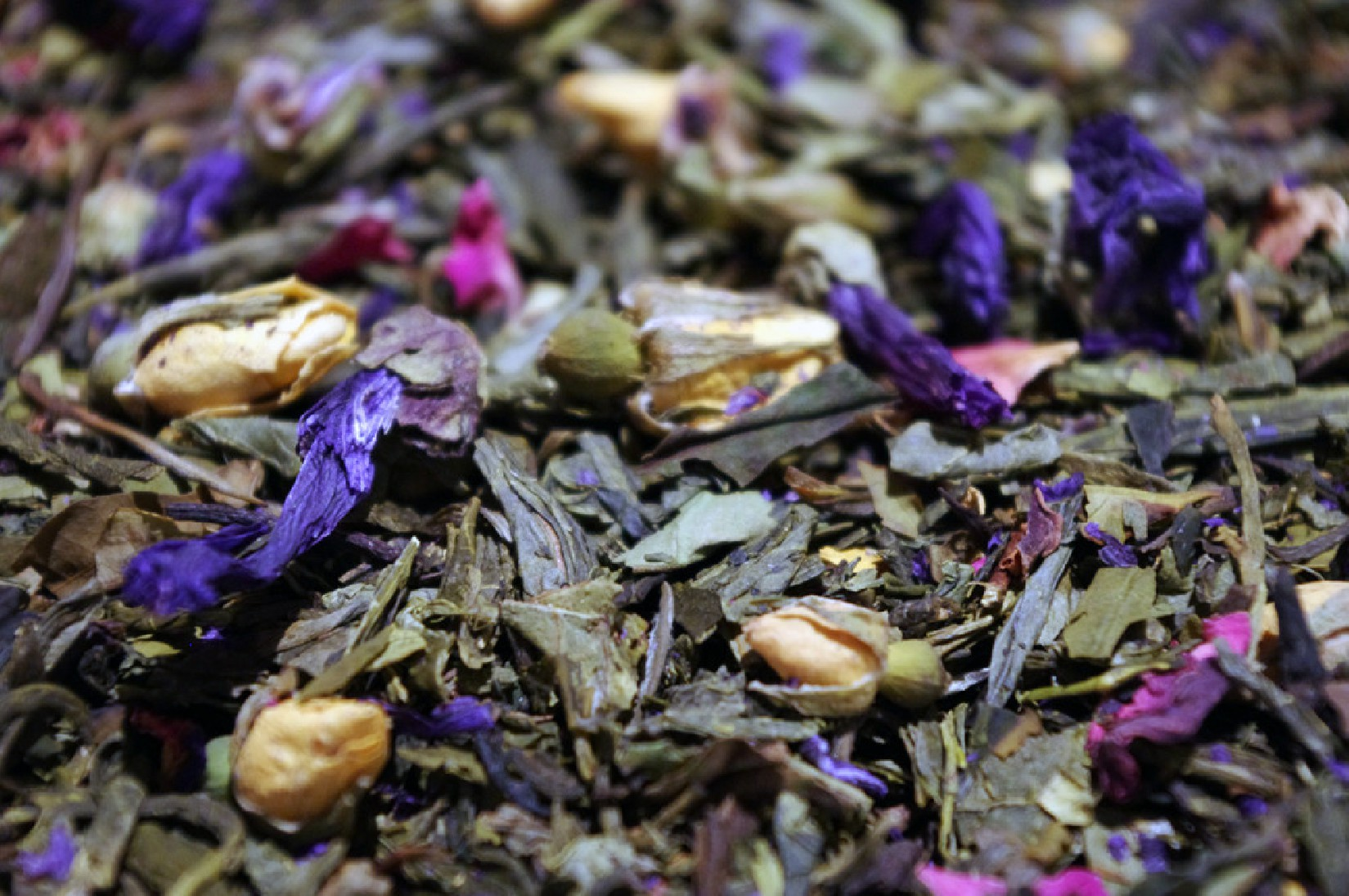 Great green & white teas, Lemon, exotic fruits, Jasmine and flowers