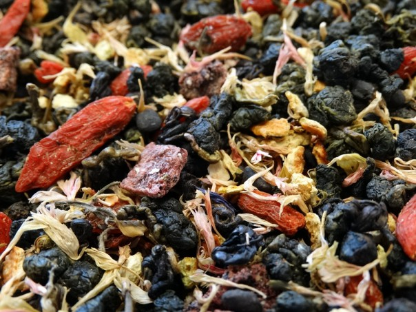 Oolong tea, Dragon fruit, Raspberries, Goji berries, petals