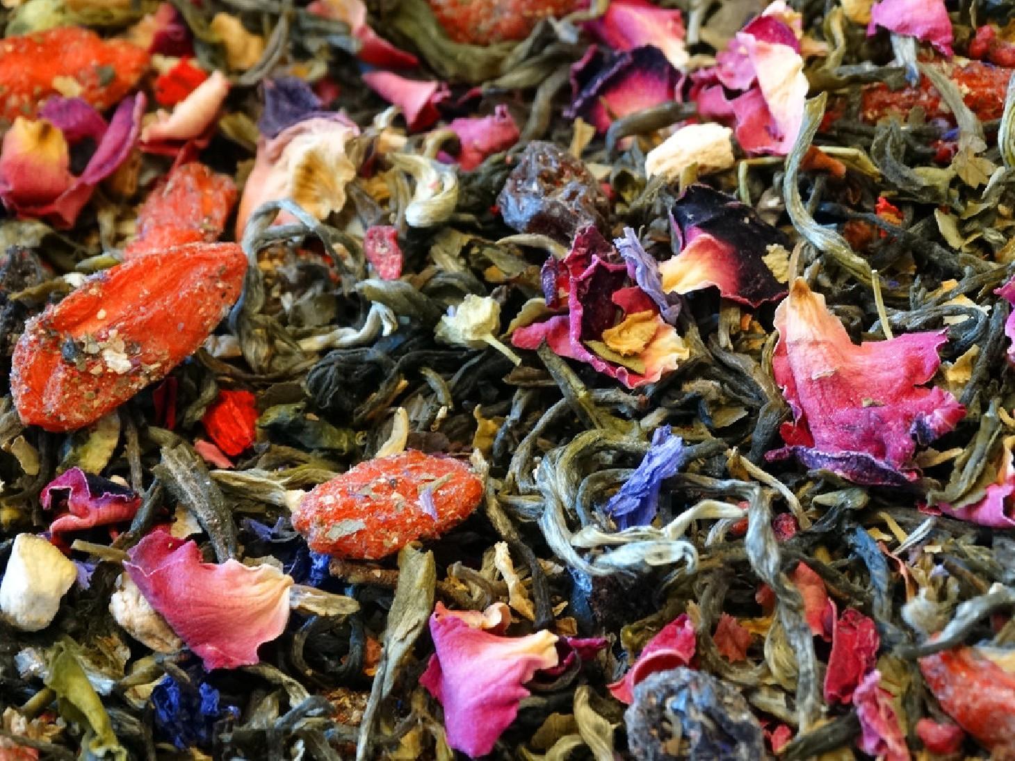 White Tea, Goji, Raspberry, Citrus, Grape, Petals