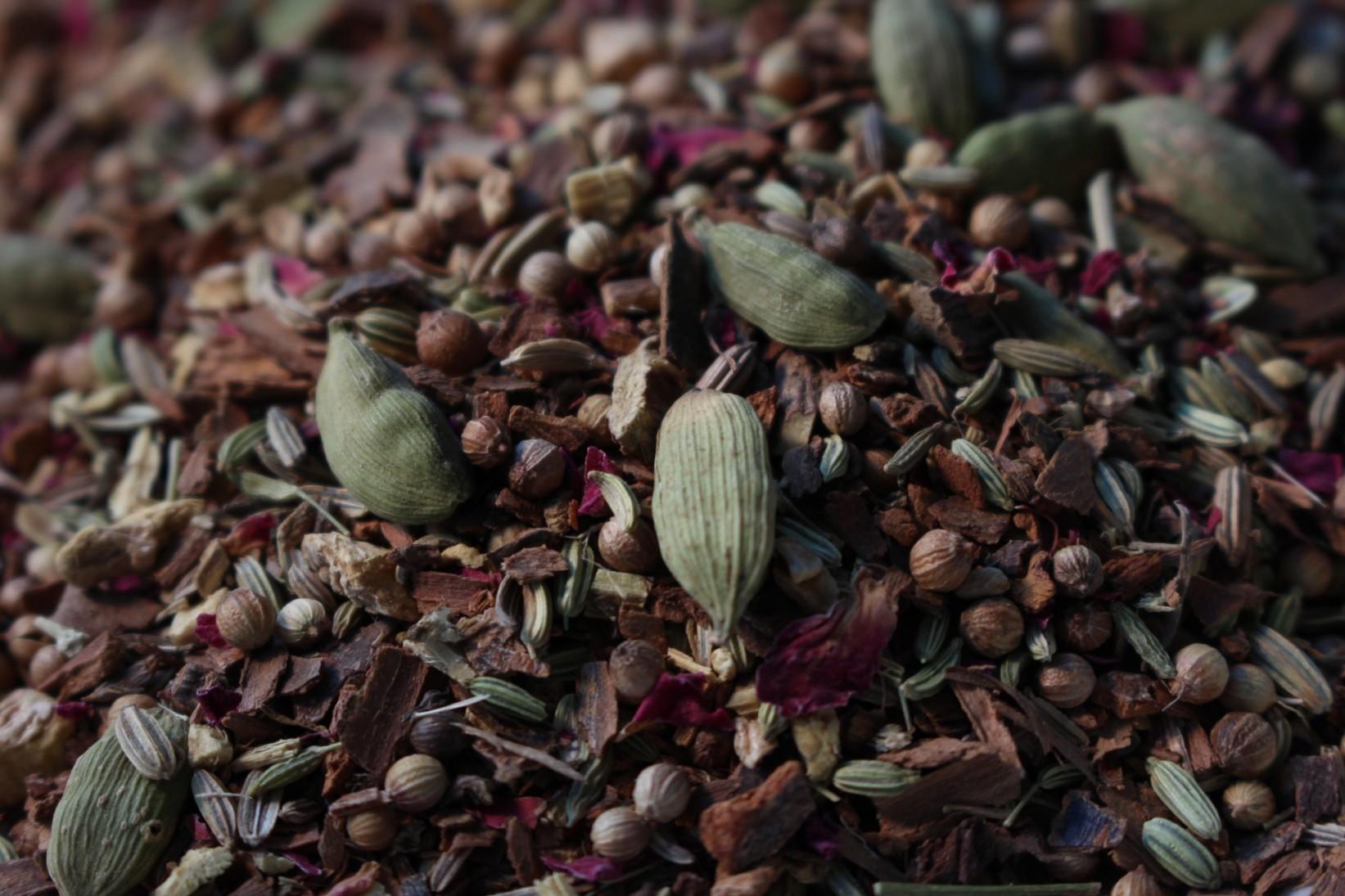 Liquorice, cinnamon, cardamom, coriander, fennel, ginger