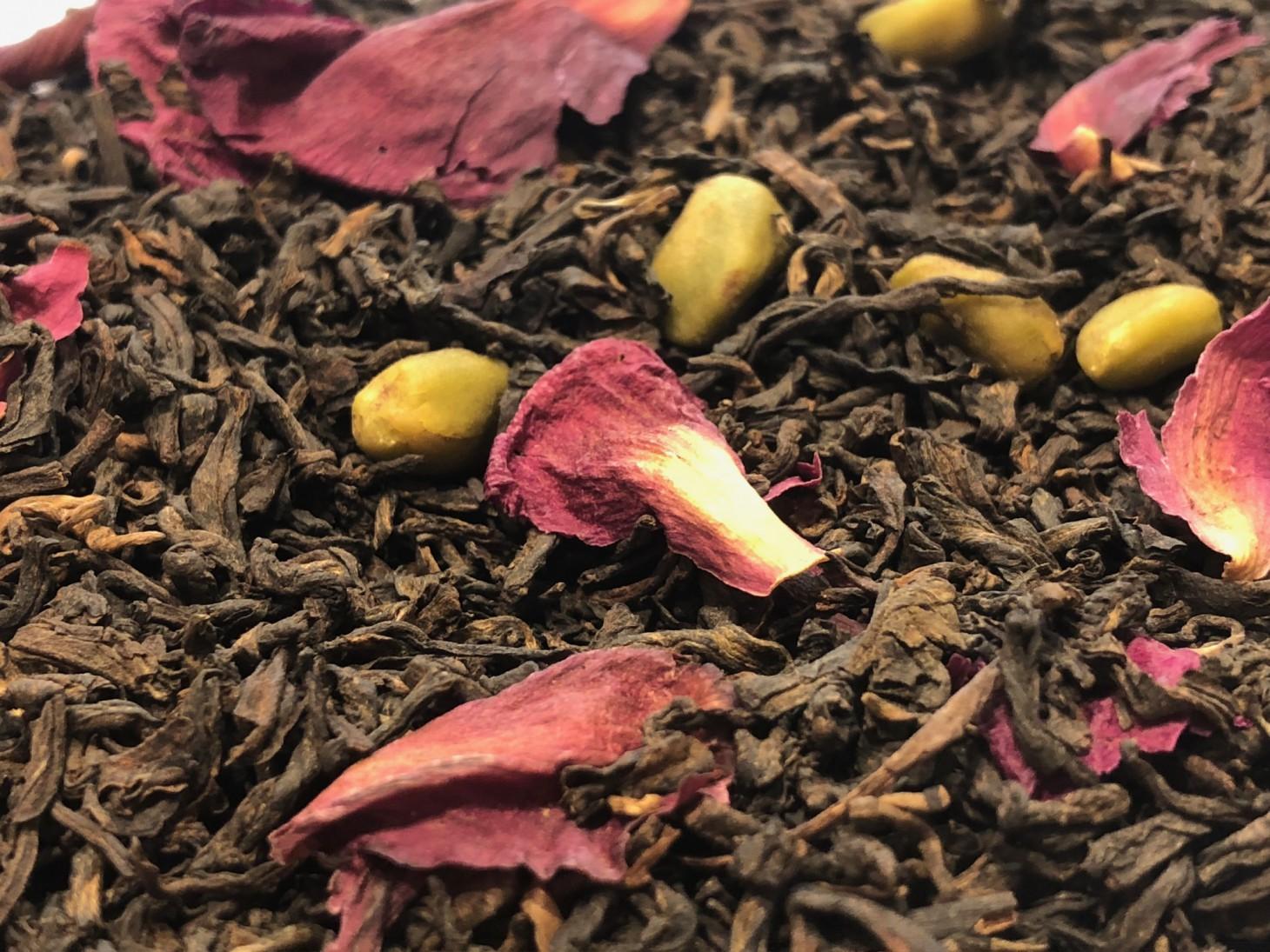 Dark Tea Pu Erh, Whole Pistachios