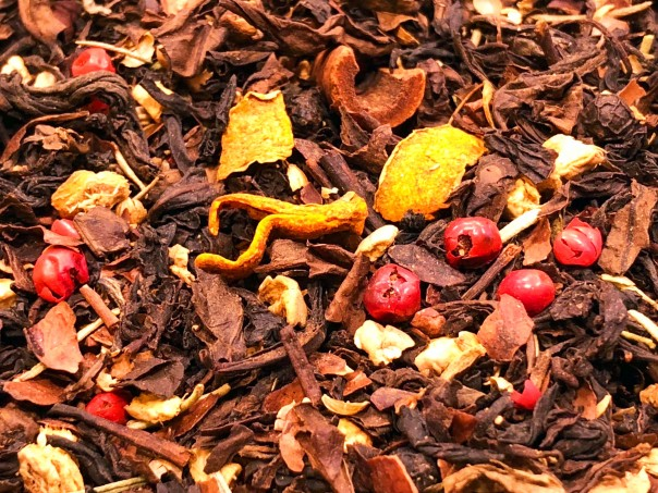Christmas flavoured oolong, cocoa, spices, turmeric, orange peel