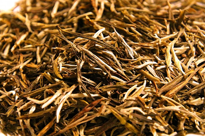 China yellow tea Simao Yunnan region