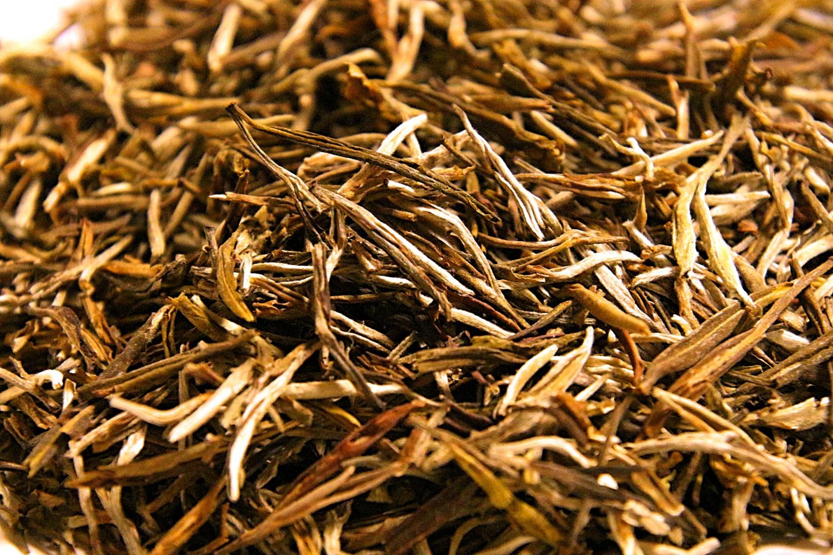 China yellow tea Simao Yunnan region