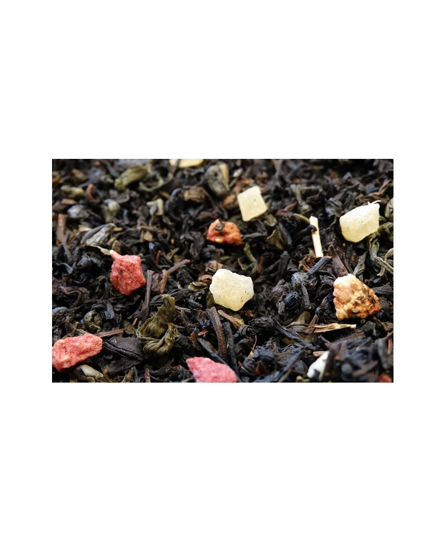 Green and black tea, pieces of strawberry, pineapple and raspberry.