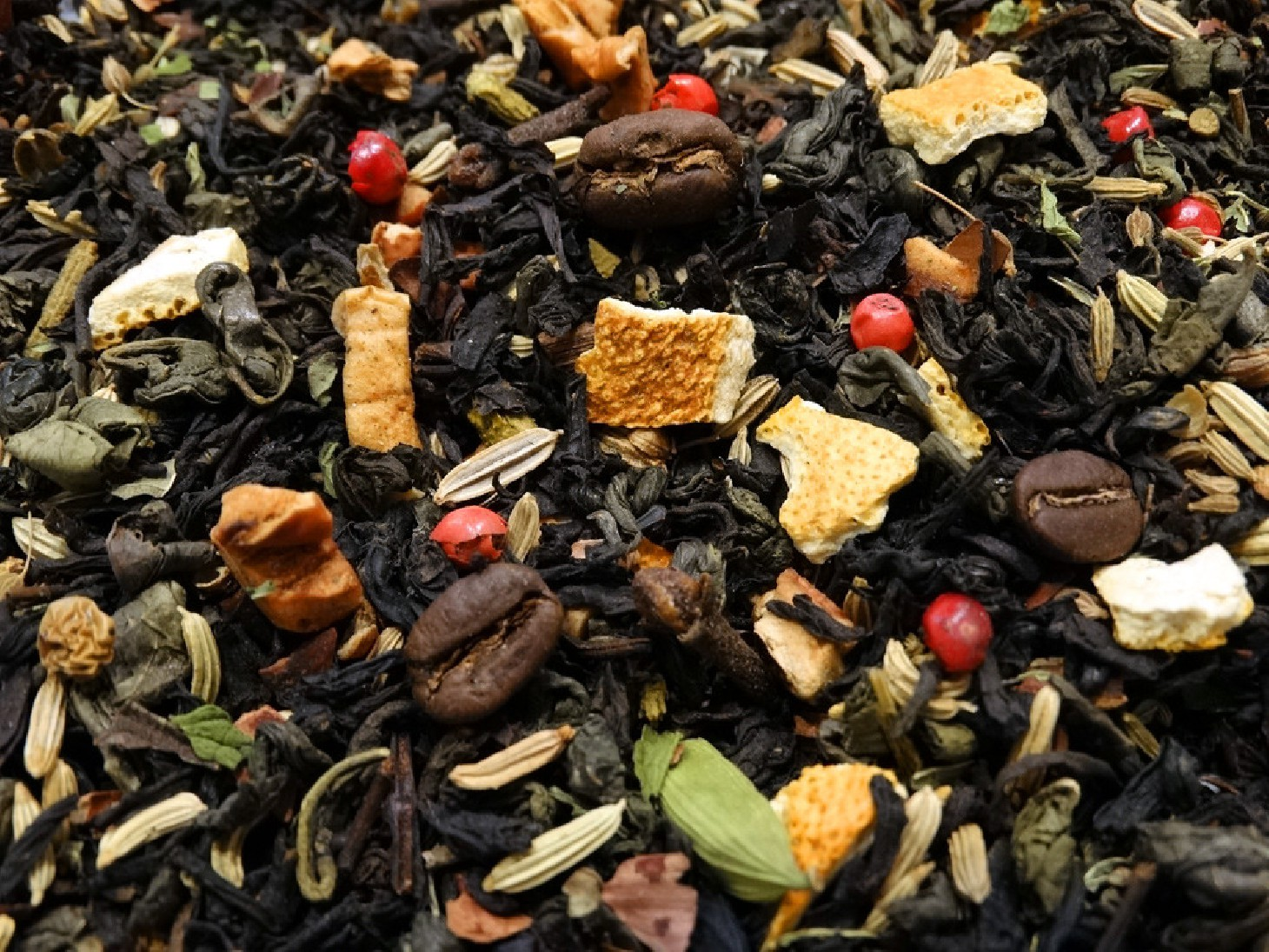Green & black tea, Mocha beans, Mint, Citrus fruits, Spices