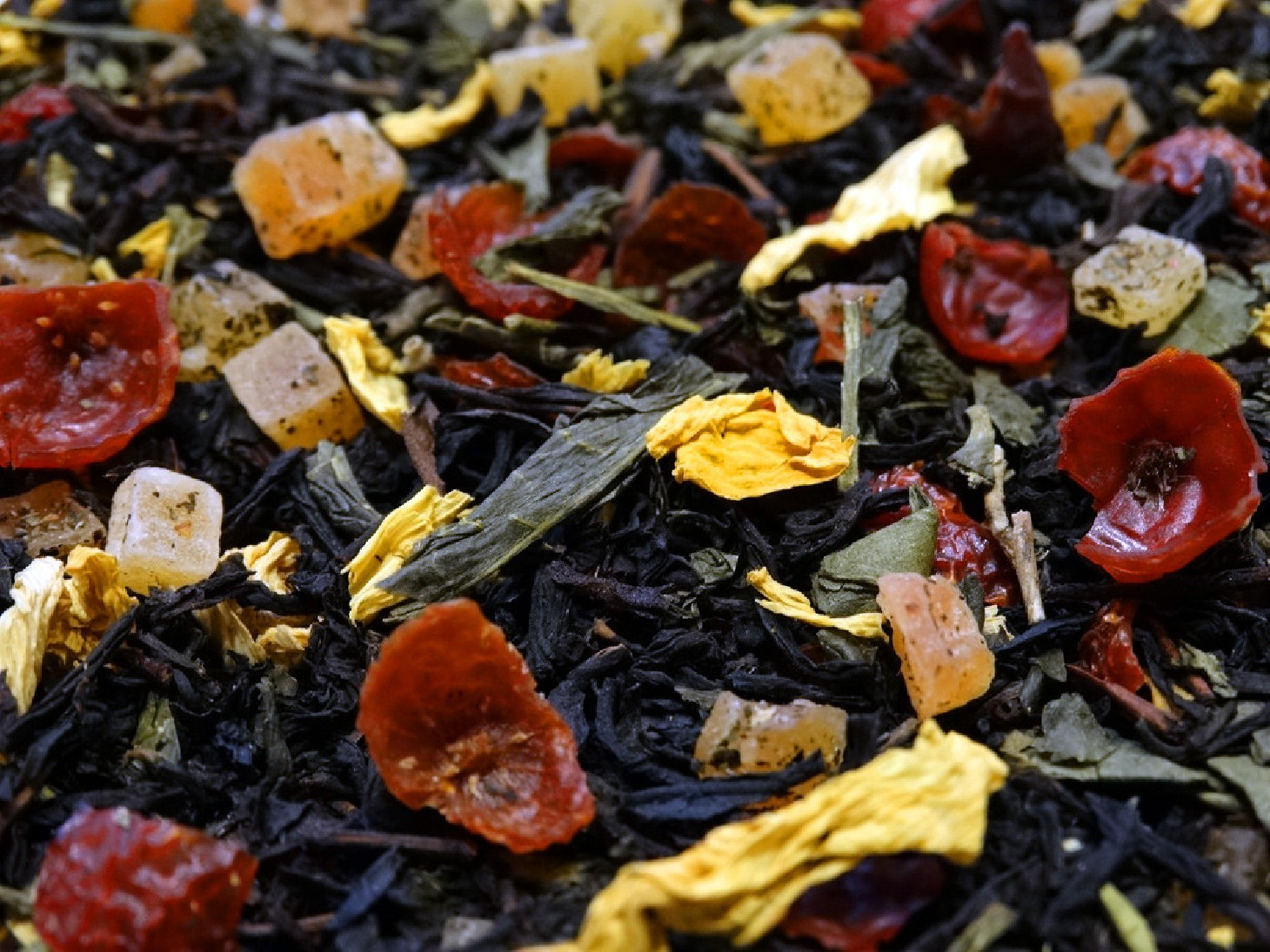 Green & black tea, mango, raspberry, papaya