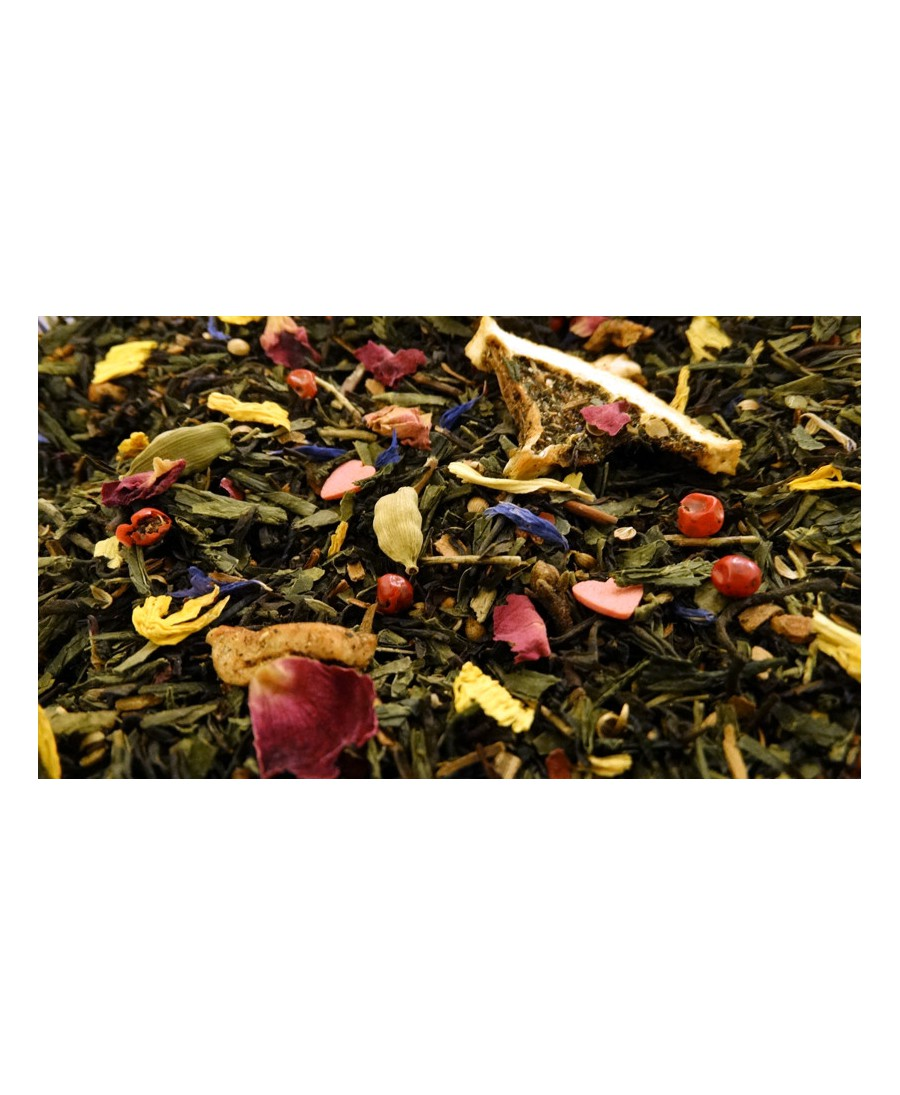 Flavoured green and black tea, apricot, mango, orange, apple, spices