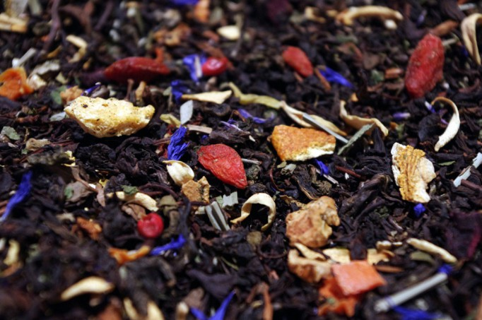 Flavored oolong, citrus fruits, island fruits, petals and berries
